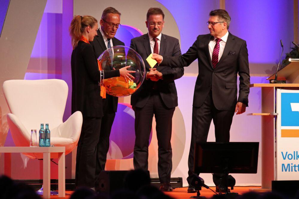 Volksbank Mittelhessen: Mitgliederversammlung 2018 in Wetzlar, Bild 11