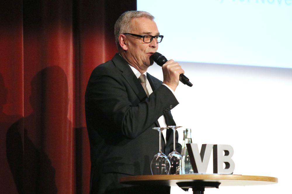 Robert Halver füllt Kongresshalle Gießen, Bild 3