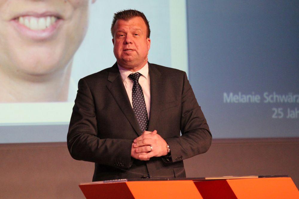 Vorstand der Volksbank Mittelhessen ehrt Jubilare 2016, Bild 19