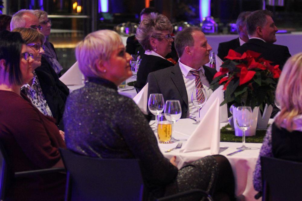 Vorstand der Volksbank Mittelhessen ehrt Jubilare 2016, Bild 4