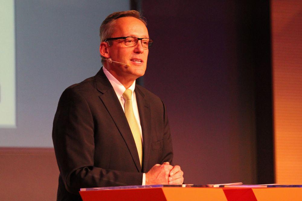 Vorstand der Volksbank Mittelhessen ehrt Jubilare 2016, Bild 9