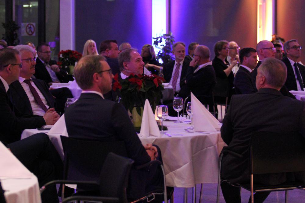 Vorstand der Volksbank Mittelhessen ehrt Jubilare 2016, Bild 7
